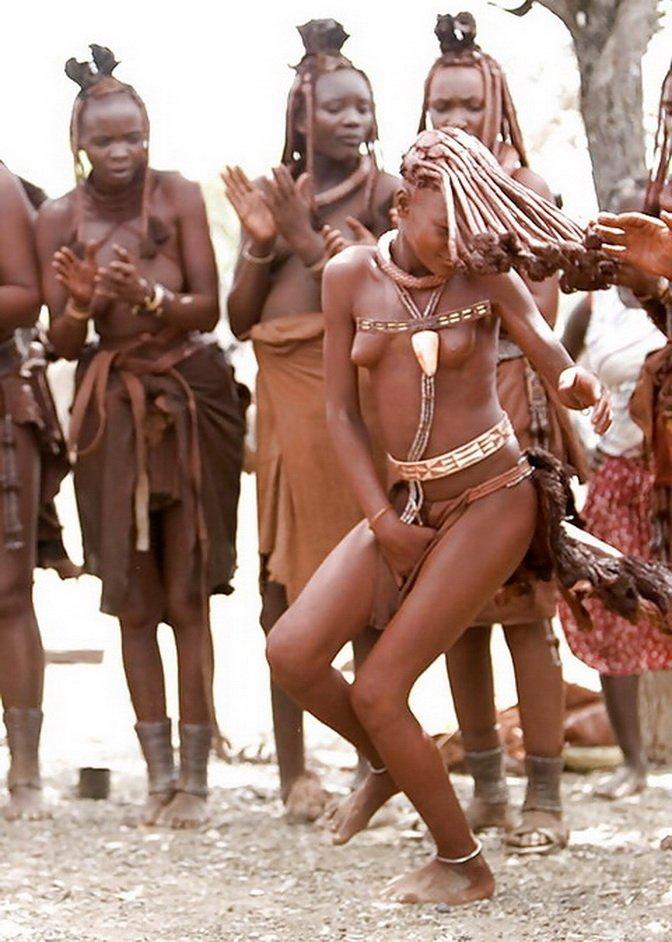 Темнокожие барышни готовы обнажать свои тела, при этом продемонстрировала самые похотливые части