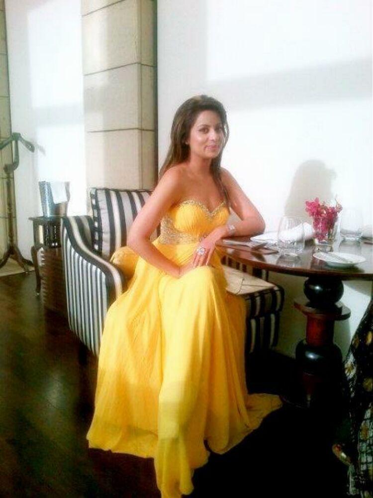 Реальные индийские голые актрисы которые не стесняются своего роскошного тела