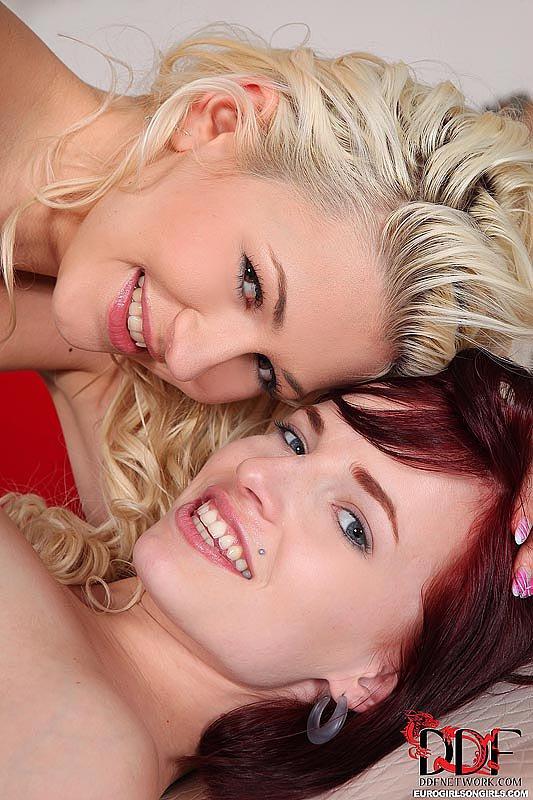 Лесби действо с Leila Smith и Tracy - на это ты обязан посмотреть!