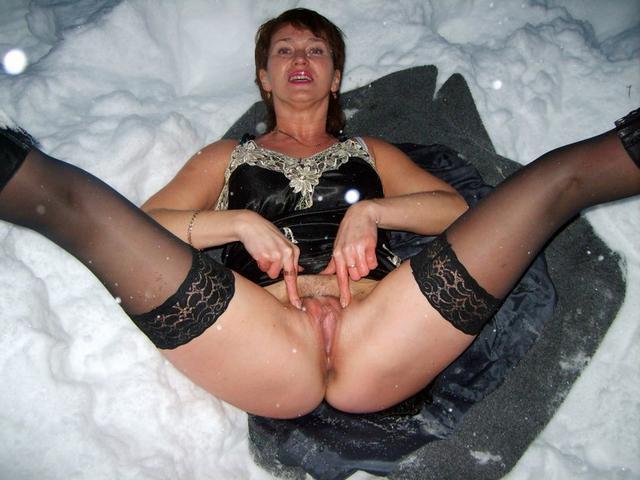 Роскошные проститутки обожают групповуху секс фото